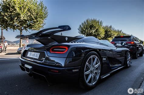 blue koenigsegg one 1 koenigsegg one 1 3 september 2015 autogespot