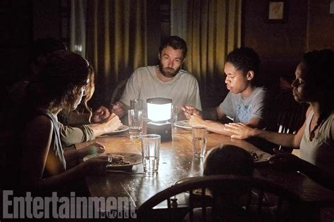film it comes at night sinopsis it comes at night check out photos and a new plot