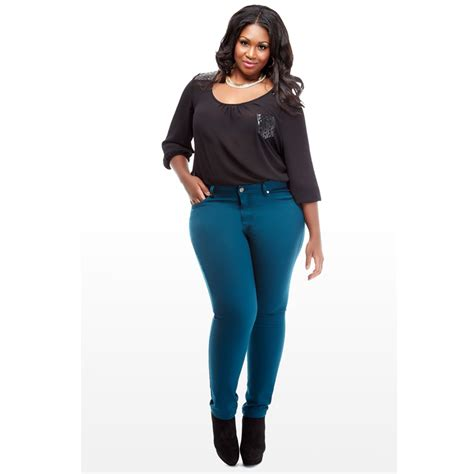 whats in atyle for the plus size gurl the perfect plus size pair of jeans cotton