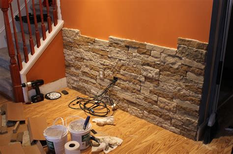 i like the color on the walls and ceiling interior getting decorated walls with stone accents