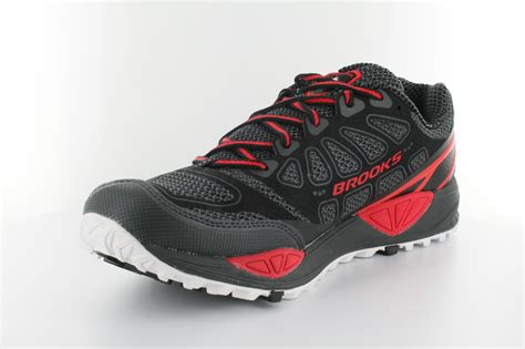 best running shoes review cascadia 9 review best running shoes