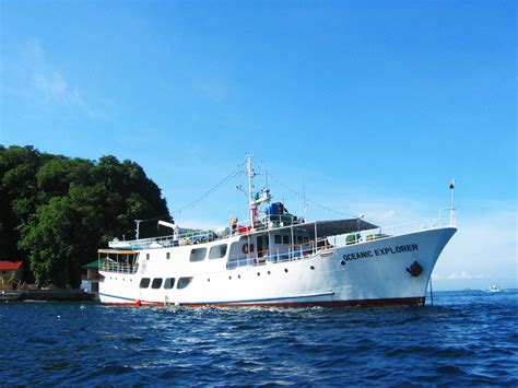 motor boat liveaboard liveaboard boats for sale philippine liveaboards for sale