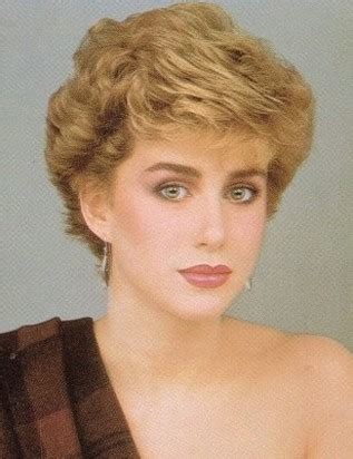 11980s ladies hair styles very short wavy hairstyle with light curls princess diana