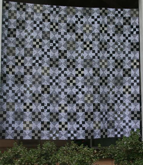 black and white quilts 6 beautiful black and white quilt patterns