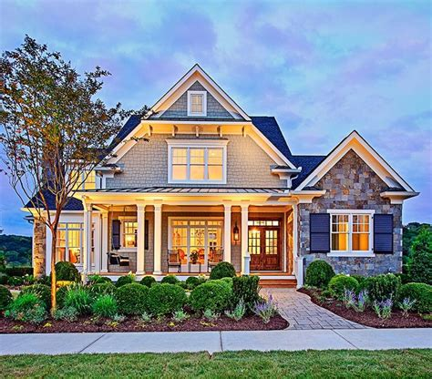 craftsman houseplans 25 best ideas about craftsman style homes on