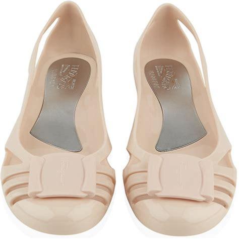Salvator Feragamo Bermuda Shoes salvatore ferragamo bermuda jelly flats beige