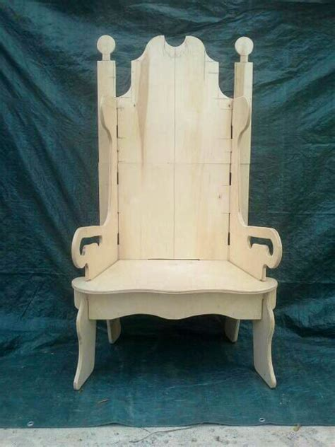 santas puzzle throne prototype winterwonderland
