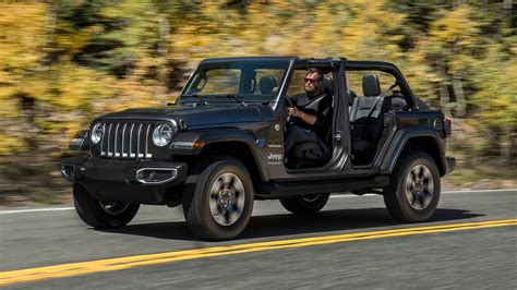 2018 jeep wrangler 2018 jeep wrangler sheds weight adds tech and 2 0l turbo