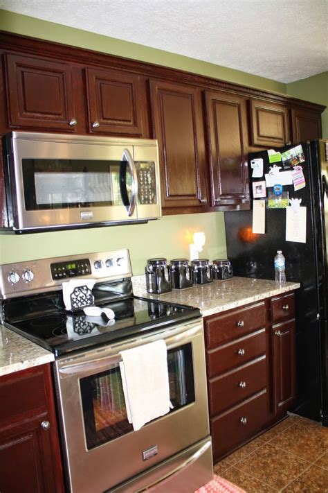 general finishes gel stain kitchen cabinets 4 coats of general finishes georgian cherry gel stain this color townhouse kitchen