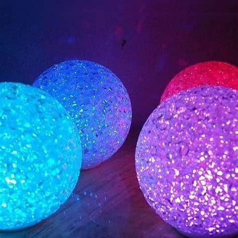 le boule led mini boule lumineuse led pile multicouleurs cristal 8cm