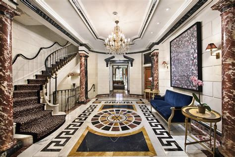 versace arredamento rent gianni versace s former east side mansion for