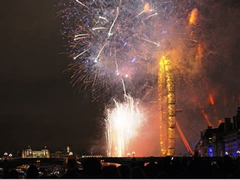 thames river cruise new years eve reviews london thames new year s eve 2017 fireworks cruise with