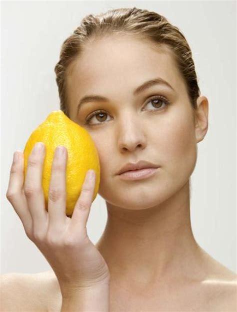 menghilangkan flek hitam bekas jerawat  lemon