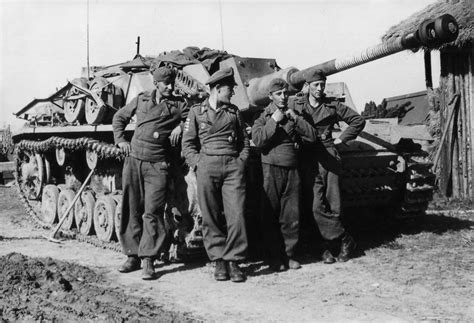 Kfz Lackierer In Der Nähe by Tank Ace Bodo Spranz With His Crew And Stug Iii Ausf G