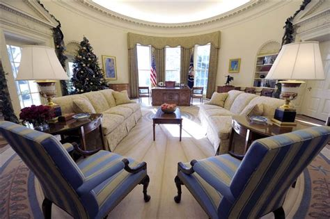 Oval Office Decor | obama adds his style to oval office decor today gt news
