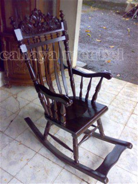 Kursi Goyang Dari Kayu kursi goyang ukir kayu jati jual kursi goyang jati harga