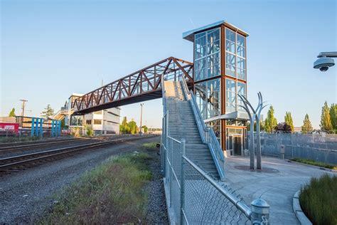 Stair Design by Lafayette Pedestrian Bridge