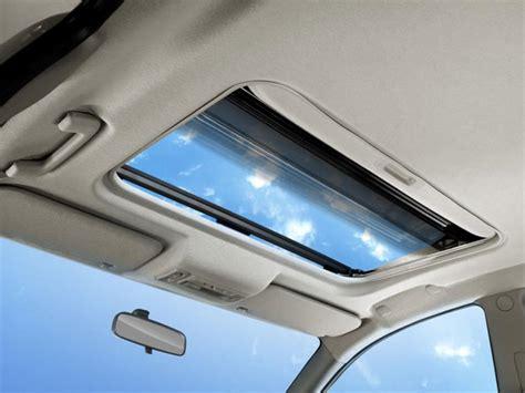 Tv Di Mobil sunroof lebih menyenangkan daripada tv di mobil mobil123