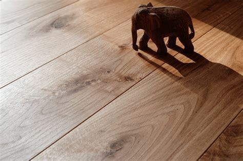 Holzdielen Eiche Massiv by Massivholzdielen Eiche Informationen Preis