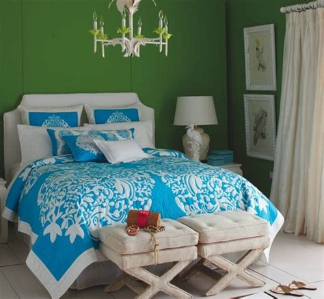 lilly pulitzer inspired bedroom bed cover from lilly pulitzer home flashy bright colour
