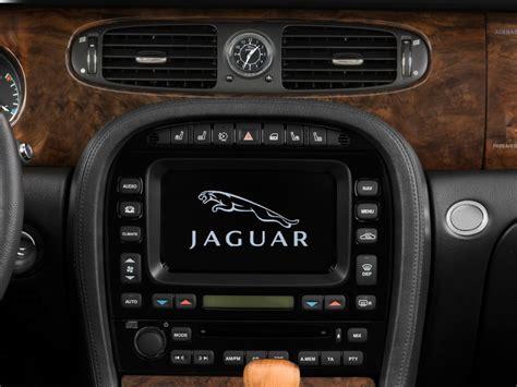 car maintenance manuals 2009 jaguar xj navigation service manual bottom panel removal 2009 jaguar xj