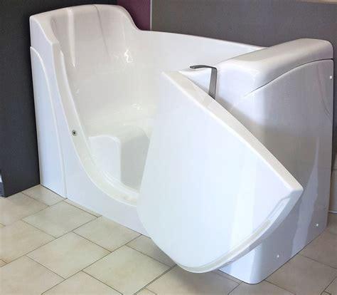 vasca da bagno grande mobili con lavello una vasca grande