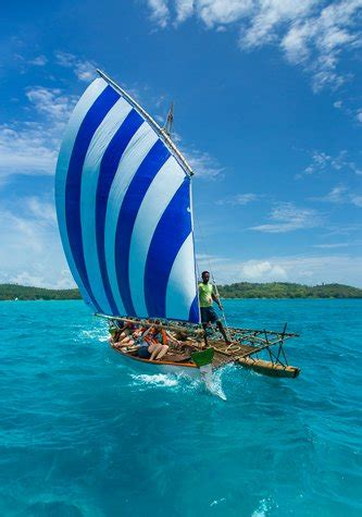 Kaos National Geographic Traditional Boat deboyne atoll panapompom nivani islands papua new