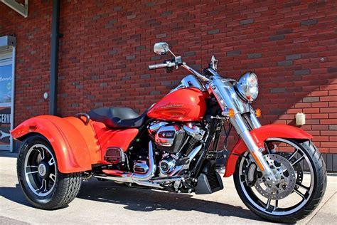 2017 Harley Davidson® FLRT Freewheelerâ ¢   Orange 2017