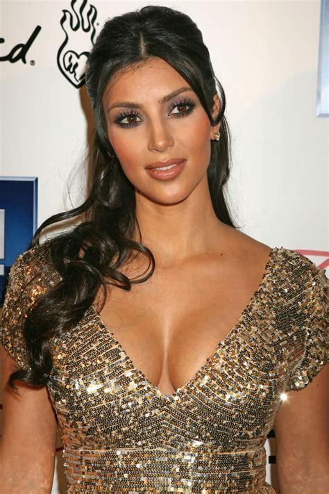 kim kardashian half up half down hairstyles hair half up half down kim kardashian fabulous