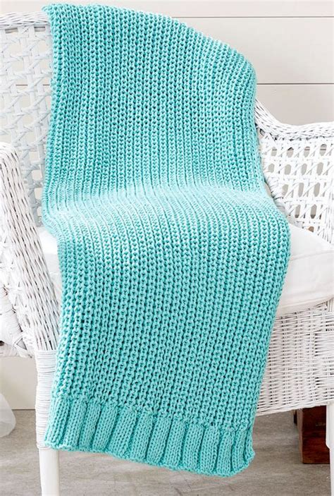 easy knitted afghan patterns 25 best ideas about easy knit blanket on easy