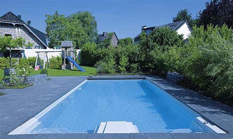 schwimmbad im garten schwimmbad garten gartenm 246 bel 2017