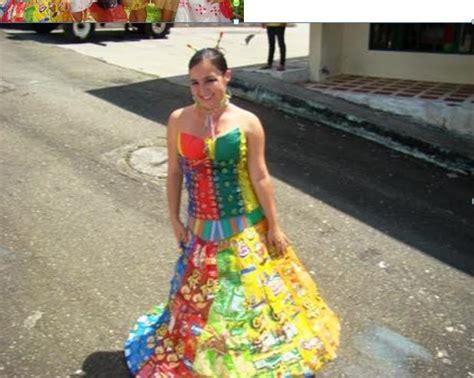 vestidos de la epoca colonial con material reciclable trajes indigenas con material reciclable