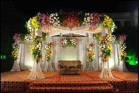 Flower Wedding Decoration by Wedding Stage Decoration With Flowers Siudy Net