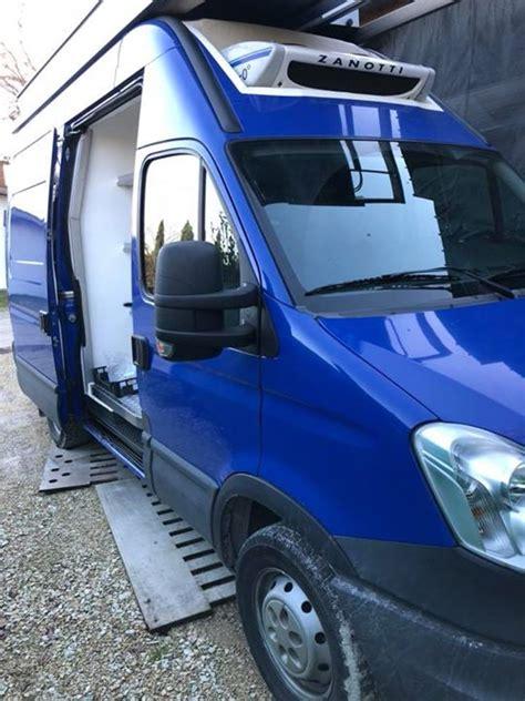 furgone con tenda furgone daily coibentato come nuovo con tenda e cella frigo