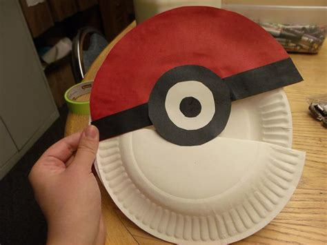 How To Make A Paper Pokeball That Opens - diy pokeball that actually opens and easy