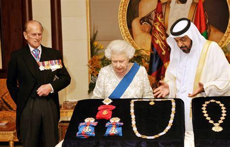 emirates queen queen elizabeth ii and sheikh khalifa bin zayed al nahyan