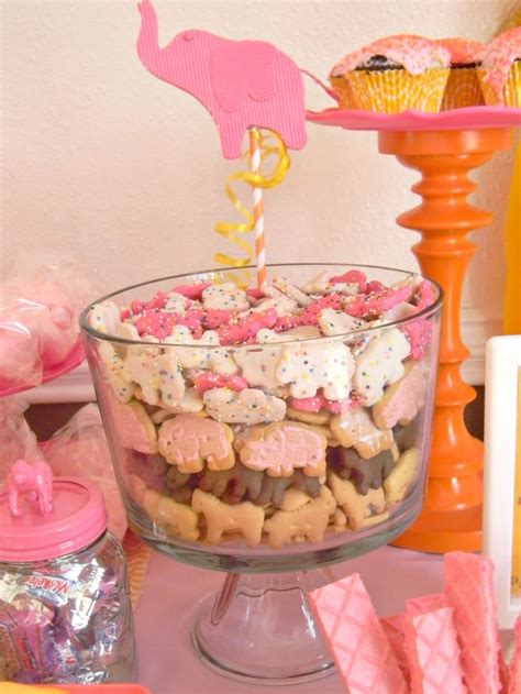 circus themed baby shower decorations circus cookies http atozebracelebrations 2013 04