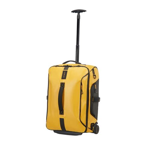 light cabin luggage samsonite paradiver light wheeled duffle strict cabin size