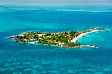 House With Separate Guest House by Little Whale Cay Luxury Retreats
