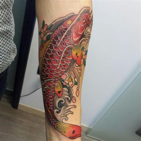 tatuaggi carpa con fiori di loto pi 249 di 25 fantastiche idee su tatuaggio carpa koi su
