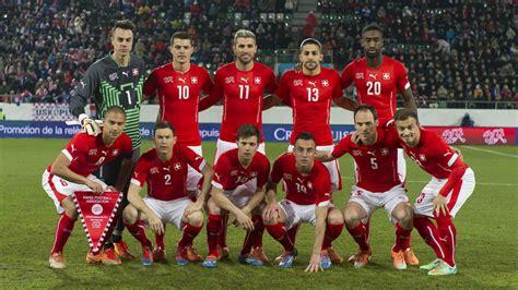 Schweizer Nationalmannschaft Schweizer S 246 Ldner 171 Zum Runden Leder 187