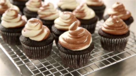 cupcakes de martha stewart 8426140807 chocolate cupcake recipes martha stewart