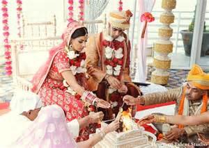 Hindu Wedding Dress For Bride Indian Wedding Gallery Indian Wedding Ceremony Fire Maharani Weddings