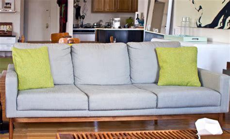 dwr raleigh sofa review dwr raleigh sofa dwr living thesofa