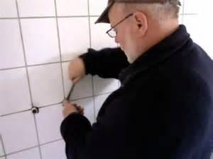 wasserhahn abdichten mit teflonband wasserhahn anbauen anleitung montage armatur