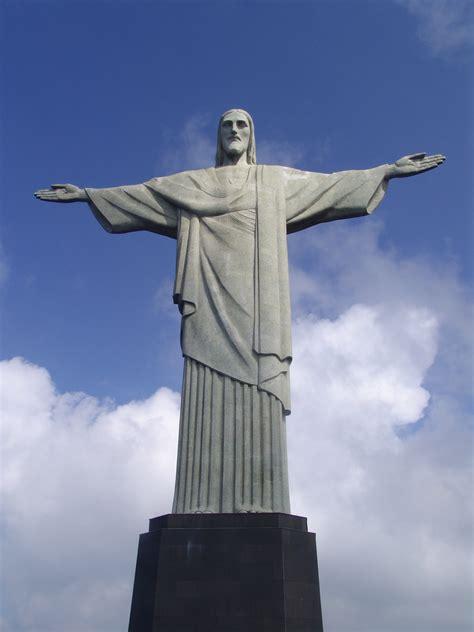 Define Pedestal Redeemer De Janeiro Brazil A 360 Degree