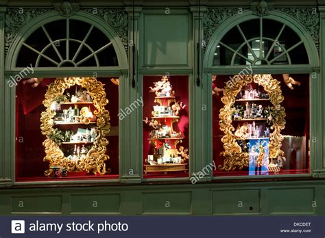 shop windows at fortnum and mason christmas decorations