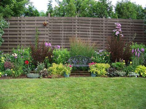 Fenced Backyard Landscaping Ideas Backyard Fencing Ideas Yard Fence Ideas Kadonsky Front Yard Fence Ideas The Best Fence