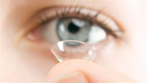7 Reasons I Contact Lenses by Contact Lenses To Thousands Of Eye Infections Cbs News