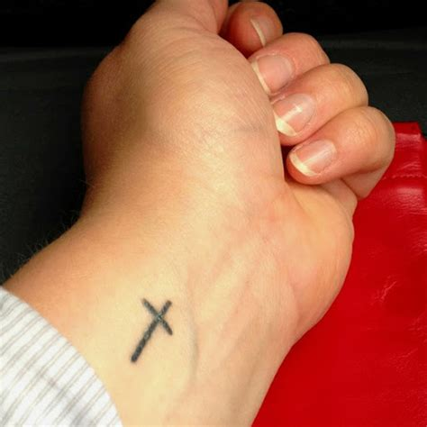 wrist tattoos cross small cross wrist ellenslillehjorne